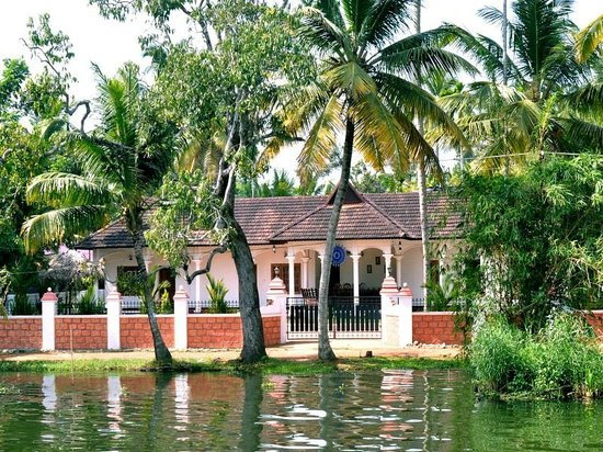 Backwater Front View - Sunny Days Backwater Front Homestay