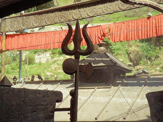 Templo Dakshinkali: trident of Shiva