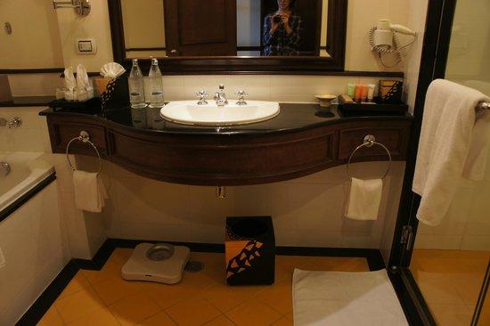 Sofitel Krabi Phokeethra Golf & Spa Resort: bathroom