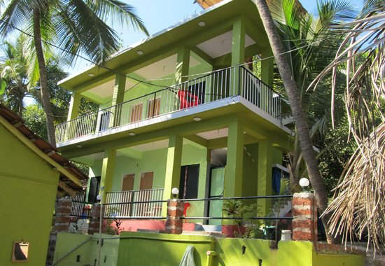 Luciano guest house arambol goa guesthouse reviews tripadvisor for Guest house in goa with swimming pool