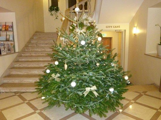 My City Hotel Tallinn: Lobby