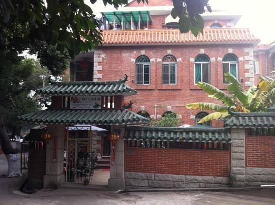 Remy's Garden Hotel : Gepflegtes Kleinhotel in alter chinesischer Gartenvilla