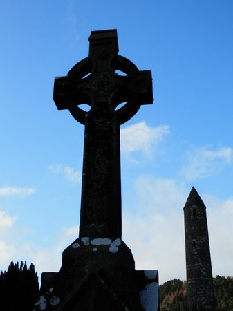 Wicklow Mountains National Park: High Cross & Round Tower