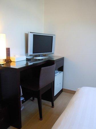 Doulos Hotel: ドゥロス ホテル 小さいながらも新しいTV