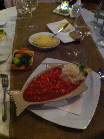 Mangos Restaurant: Crayfish in homemade tomato and chilli sauce