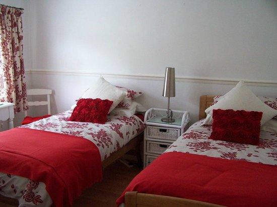 Secret Garden Bed and Breakfast: Linnet Ensuite Twin Room
