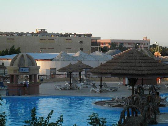 Hurghada SeaGull Beach Resort: Swimming pool