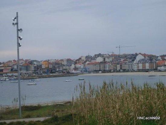 Hotel Nuevo Cachalote: Vista de Portonovo desde playa Baltar