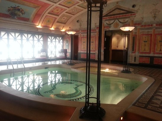 Hotel Principe Di Savoia: The private pool in the royal Suite