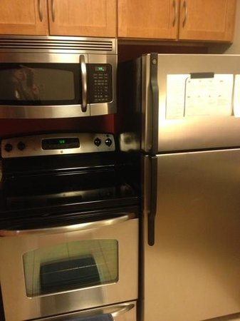 Residence Inn Toledo Maumee: upgraded appliances