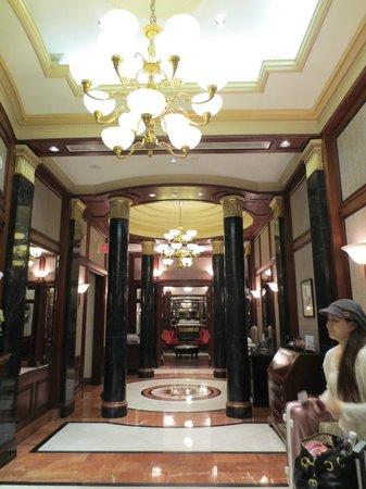 ヴィンチ アヴァロン , Lobby