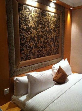 โรงแรมมิลเลนเนียม กลอสเตอร์: bedroom