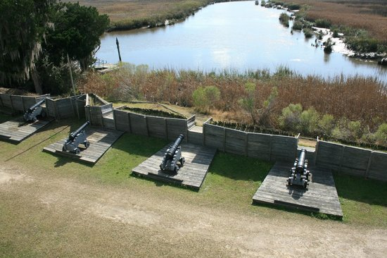 Fort King George Historic Site: Cannon emplacements