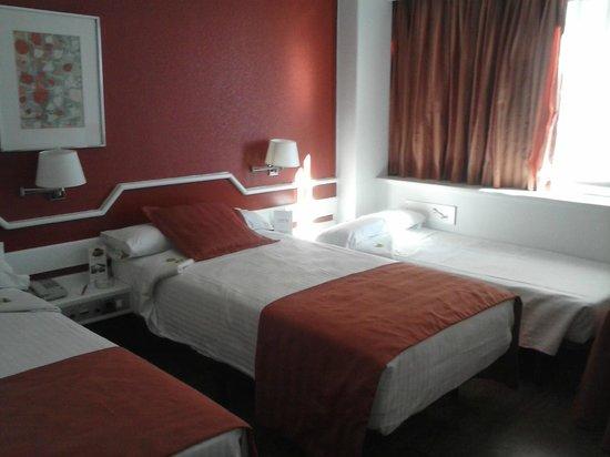 Weare Chamartin Hotel: habitación cama individual