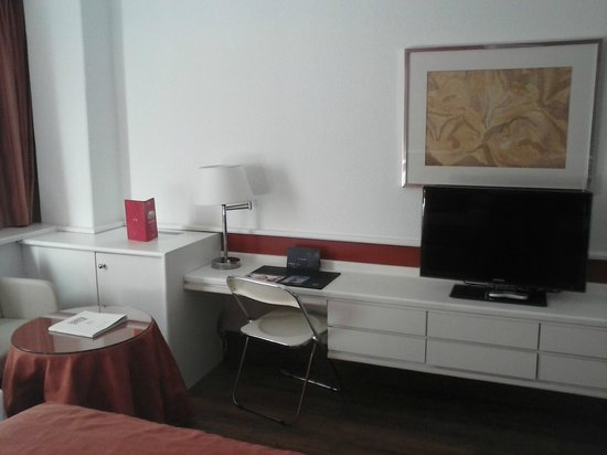 Weare Chamartin Hotel: habitación