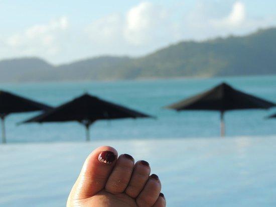 Qualia Resort: Poolside