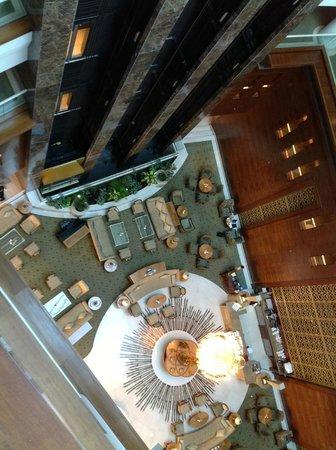 Millennium Hotel Doha: Lobby vu du haut