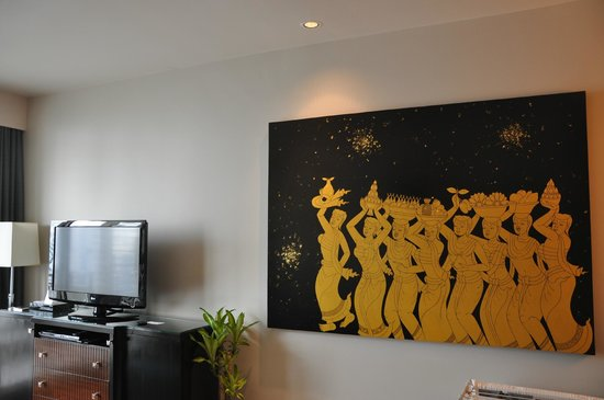 Marriott's Bangkok Empire Place: Living room artwork