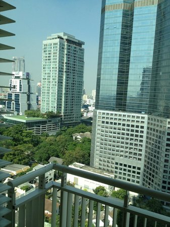 Marriott's Bangkok Empire Place: View from balcony