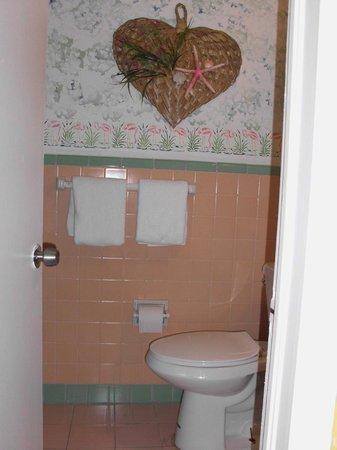 Sandpiper Motel: WC