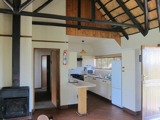 Thendele Hutted camp: Kitchen