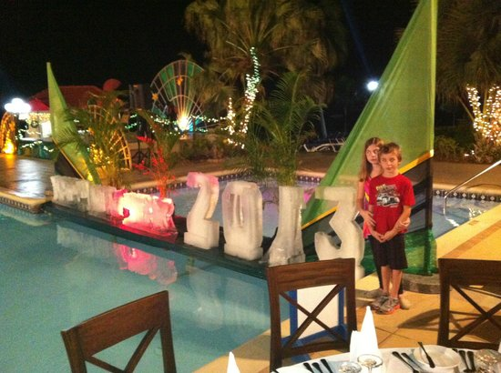 Azul Beach Resort & TUI Sensatori Resort Negril, by Karisma: New Years Eve.