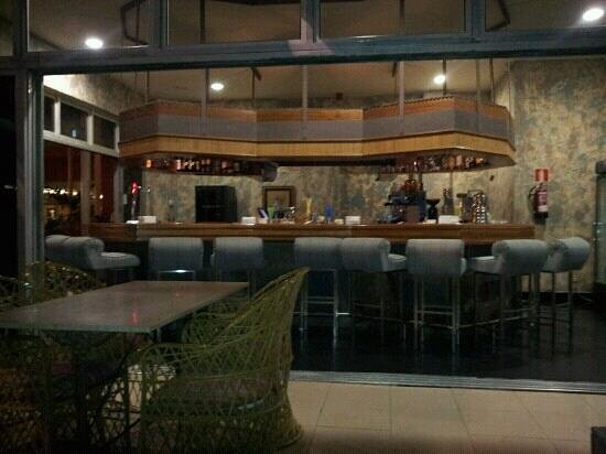 Reina Isabel Hotel: Marinabar