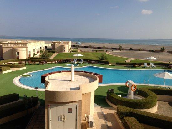 Masirah Island Resort: Pool vom Balkon