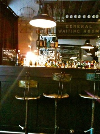 L'Altro : le bar à l'entrée