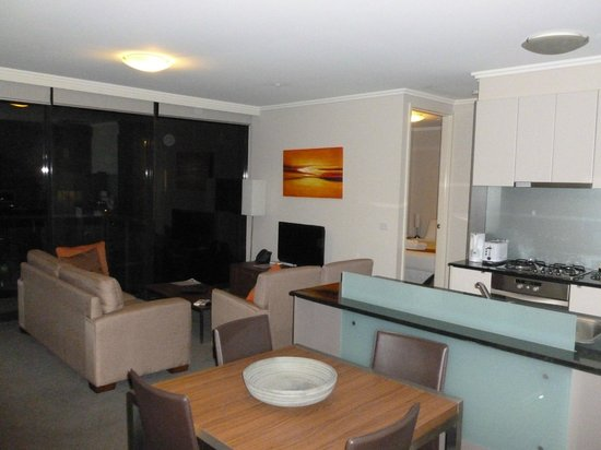 Melbourne Short Stay Apartments: Living / Dining / Kitchen