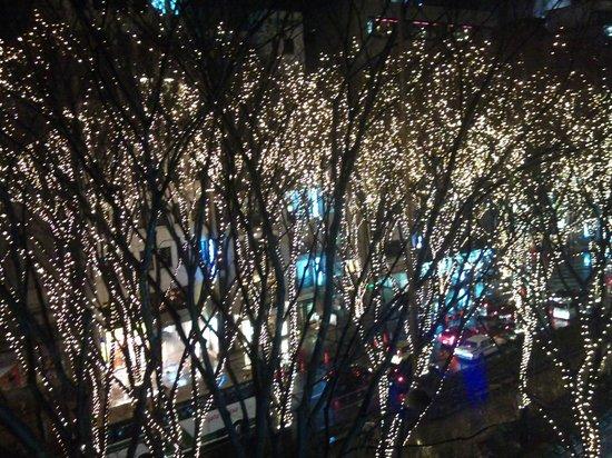 Super Hotel Inn Sendai Kokubuncho : 光のページェントを部屋から
