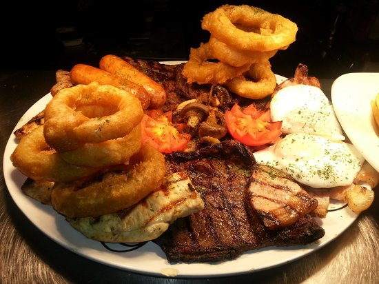 The Dillwyn Arms Hotel : 52 oz mixed grill