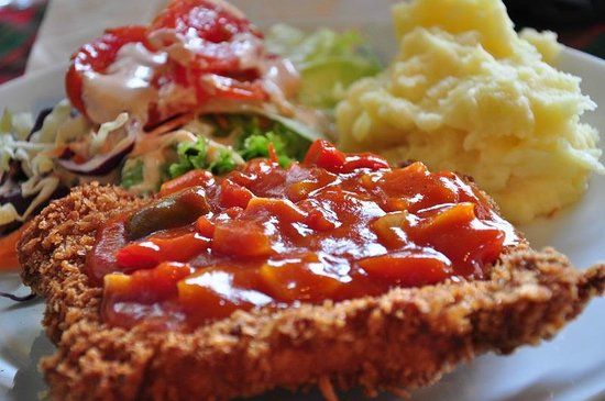 Deutsche Kneipe: Pork Schnitzel