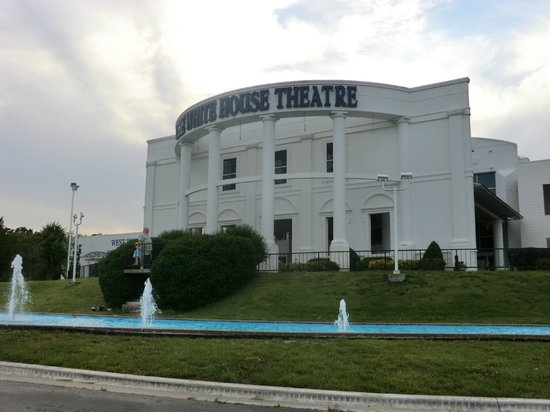 Legend Of Kung Fu: theater where it is held