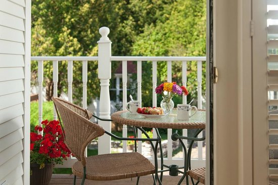 Thorp House Inn and Cottages: Everil Room Balcony