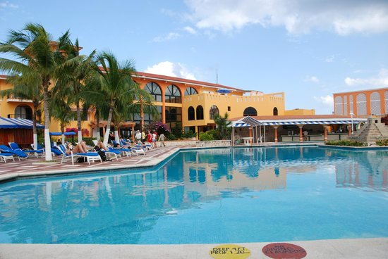 Hotel Cozumel and Resort: Poolside