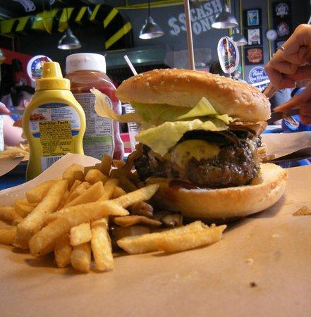 Bombers Burger: BURGER