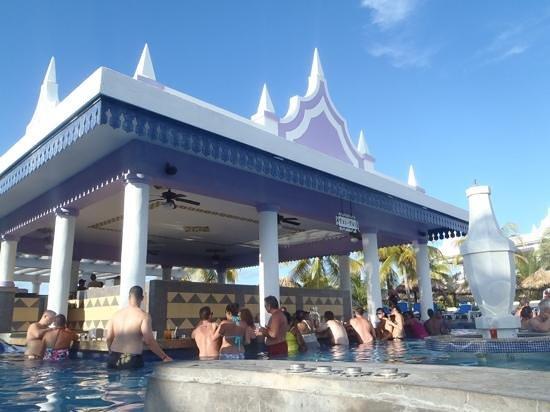 Hotel Riu Montego Bay : Pool bar