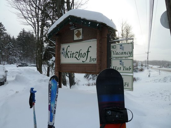 Kitzhof Inn: Waiting for the ski bus, the Moo-ver