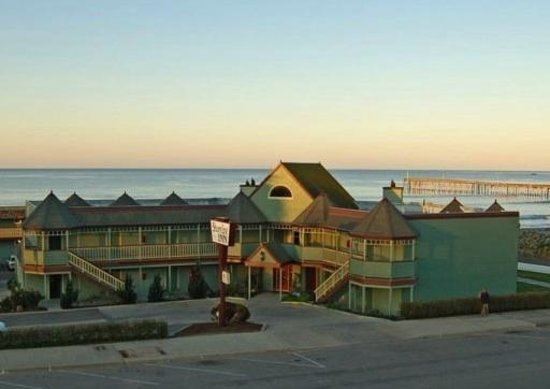 Cayucos Shoreline Inn...on the beach: The Shoreline Inn