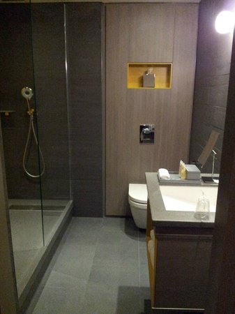 Pullman London St Pancras Hotel: Une grande salle de bain