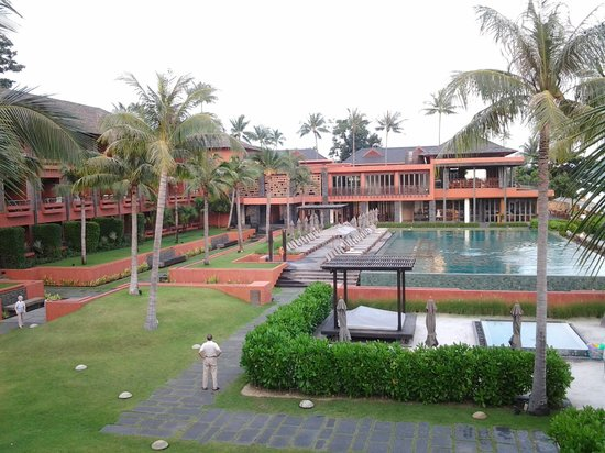 Hansar Samui Resort: early morning scene