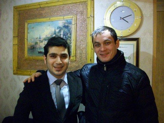 Tashkonak Hotel: Я с администратором отеля