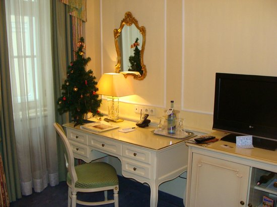 Schlosshotel Roemischer Kaiser: nice touch