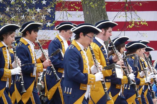 Λέξινγκτον, Μασαχουσέτη: Patriots Day Parade