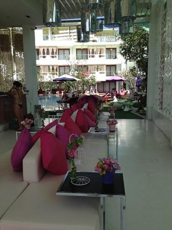 The Sea-Cret, Hua Hin: lobby, pool area in the background