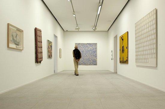 Fundacio Sunol : Exhibition rooms at the Fundació Suñol