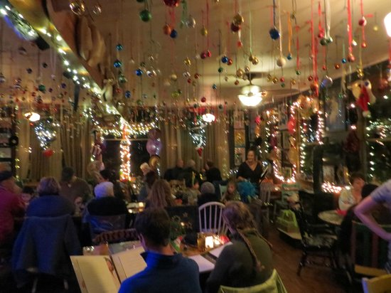 Ajax Cafe: Dining area for Christmas