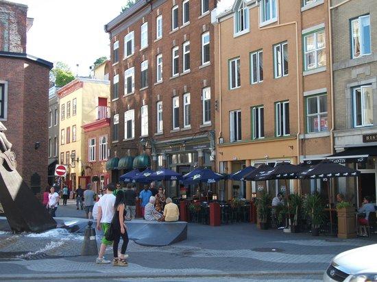 Old Port (Vieux-Port): Place de la FAO, rue St-Paul