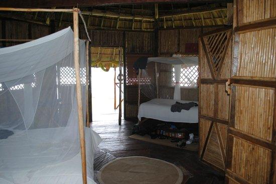 Yandup Island Lodge: Inside waterview cabin #1 - Queen bed & twin bed